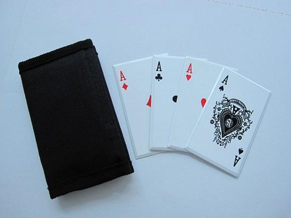 赌神4张A扑克飞镖直角飞镖转弯图解图片